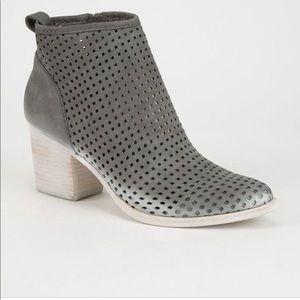 NWT Dolce Vita Kenyon Ankle Booties Size 7.5